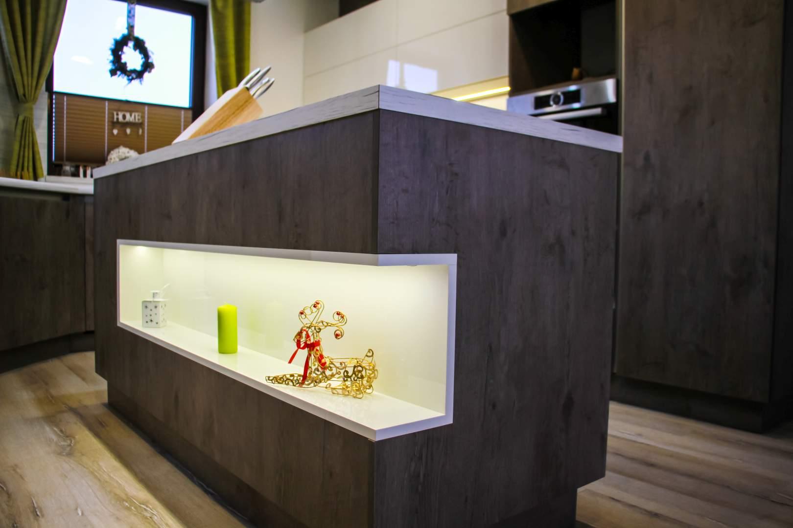 Kuchynský nábytok, vstavané skrine
